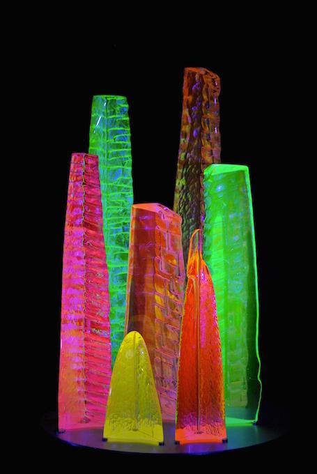Jardins, sculpture de verre fluorescent - Yves Braun