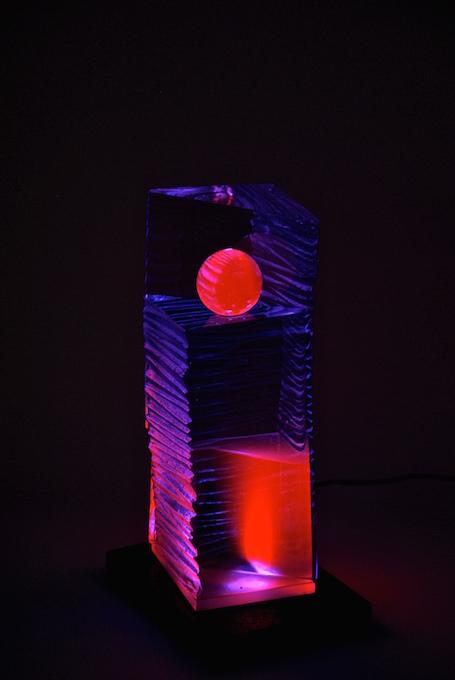 Coeurs de comètes, sculpture de verre fluorescent - Yves Braun